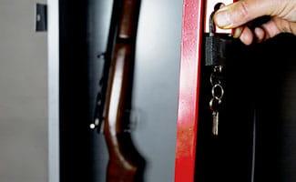 locking gun into gun safe