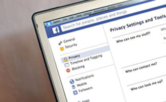 Facebook privacy setetings on computer screen