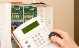 How to take advantage of a wired home security system how secure is a wired home security system solutioingenieria Gallery